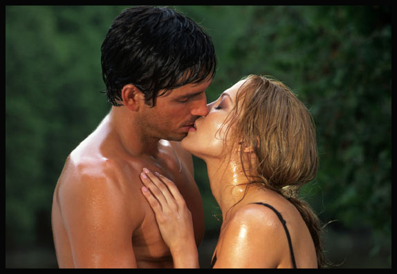 JIM CAVIEZEL and JENNIFER LOPEZ in 