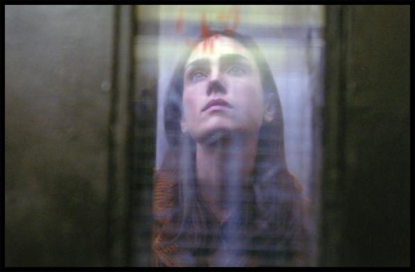 JENNIFER CONNELLY in DARK WATER  ©touchstone pictures. all rights reserved