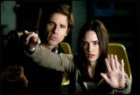 DIRECTOR WALTER SALLES and JENNIFER CONNELLY in DARK WATER  ©touchstone pictures. all rights reserved